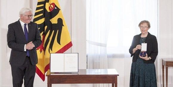 Juliane Diller erhält Bundesverdienstkreuz