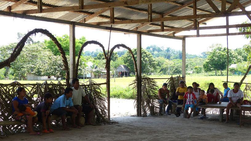 Treffen im Versammlungsraum von Pampas Verde