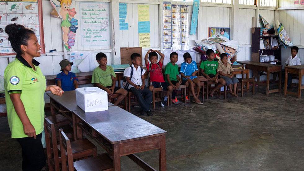 Schulklasse von Pampas Verde (Foto: Konrad Wothe)