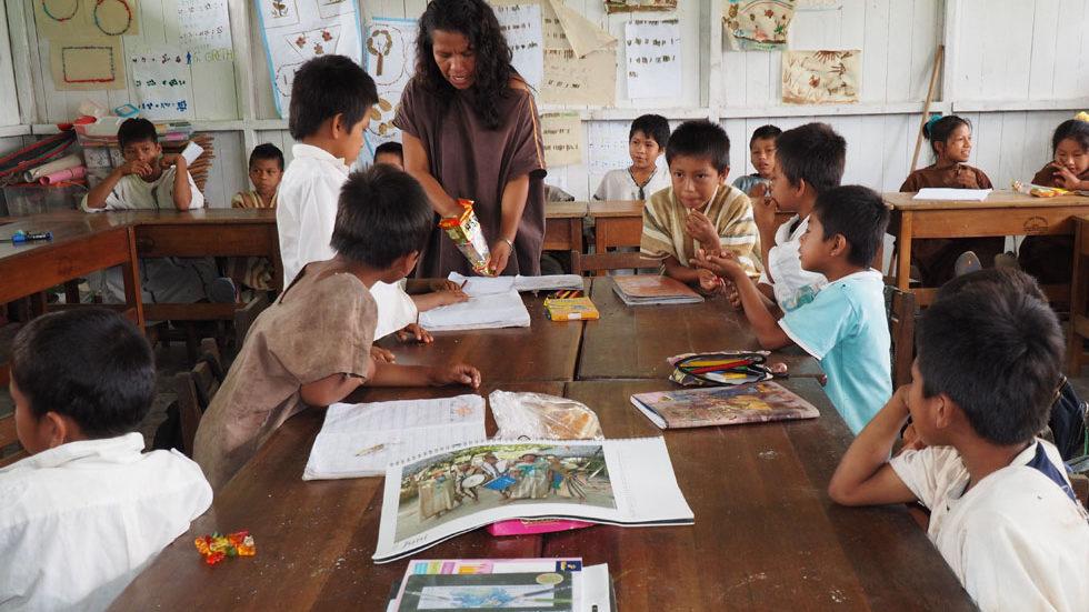 Unterricht in der Asháninka-Klasse
