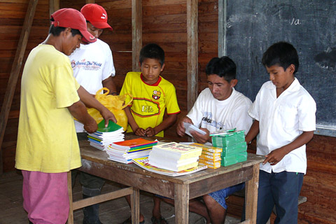 Delivery of materials dearly needed by the Pampas Verde school and purchased on behalf of Panguana's main sponsor