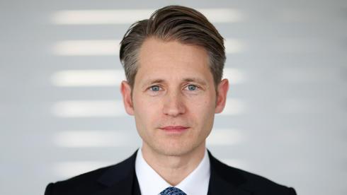 Dr. Stefan Stole